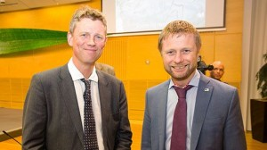 På bildetLeder av Prioriteringsutvalget, Ole Frithjof Norheim og helseminister Bent Høie
